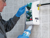 5d98f5141d25 Cleaning Solution Dispensing Services With Precise Dilution | UniFirst